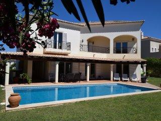 Spacious 4 bed villa in the reknown Village Resort - Almancil vacation rentals