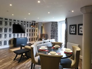 The Burford Suite - The Old Gaol Service Apartment - Abingdon vacation rentals