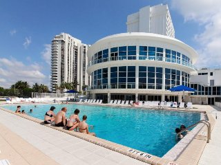 Access to beach, pool, fitness center, & more at this ocean front condo! - Miami Beach vacation rentals