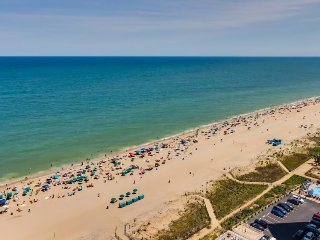 Charming oceanfront paradise w/beach access & resort amenities such as pools! - Ocean City vacation rentals
