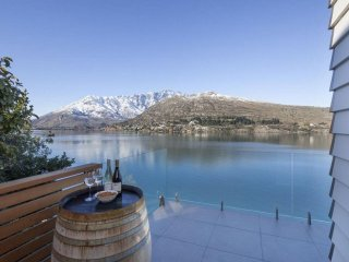 Kohanga Lakeside Villa - Queenstown vacation rentals
