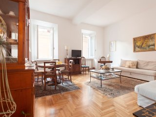 LA DOLCE VITA APT CLOSE TO TREVI & SPANISH STEPS - Rome vacation rentals