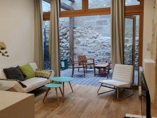 Charmant & calme appartement 2 chambres - Bordeaux vacation rentals