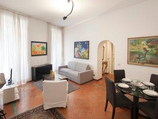 SWEET GIULIA ANTICA CASA ROMANA HISTORIC CENTRE - Rome vacation rentals