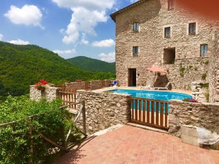 MACERINO CASTLE : VICINO PIAZZA, 17 KMS/SPOLETO - Spoleto vacation rentals