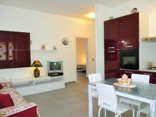 2 bedroom Apartment with Internet Access in Scauri - Scauri vacation rentals