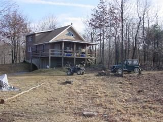 Southern Pennsylvania Mountain House with Acreage - Everett vacation rentals