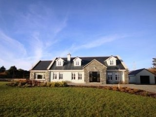 Ballinakill Lodge - 6 bed house huge accommodation & gardens, wheel chair - Connemara vacation rentals