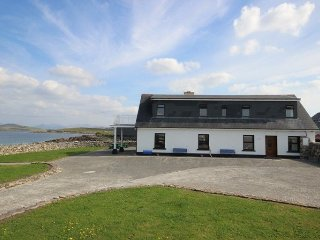 Beach House Cleggan - Stunning beach property sleeping 12 - Cleggan vacation rentals