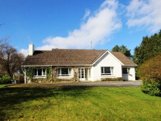 4 bedroom House with Parking in Oughterard - Oughterard vacation rentals
