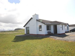 Teach Bríd, Ballyconneely - Beach cottage perfect for golfers and families - Ballyconneely vacation rentals