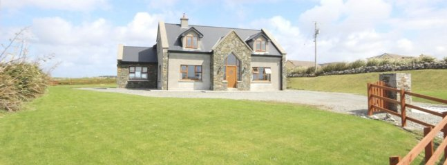King's House, Cleggan - 5* Luxury Holiday home in Cleggan, Co Galway - Cleggan vacation rentals