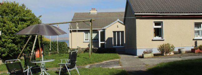 2 bedroom House with Parking in Lettermullan - Lettermullan vacation rentals