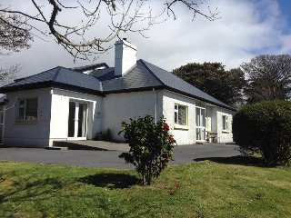 3 bedroom House with Parking in Carna - Carna vacation rentals