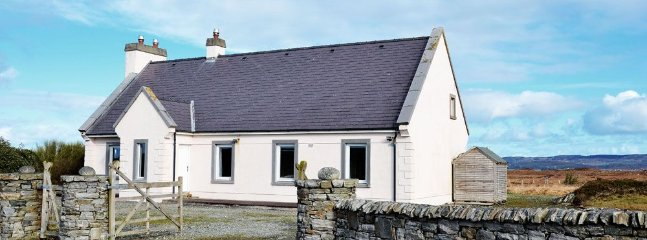 3 bedroom House with Parking in Ballyconneely - Ballyconneely vacation rentals