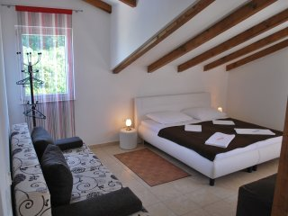 Ferienwohnung Villa Lunaris A3 - Maslinica vacation rentals