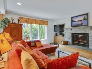 Spacious 4 bedroom House in Stowe with Deck - Stowe vacation rentals