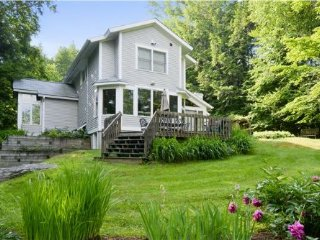 Cozy 3 bedroom Stowe House with Deck - Stowe vacation rentals