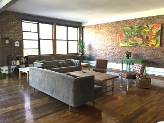 Spacious 4 bedroom Loft for Families or Companies - Brooklyn vacation rentals