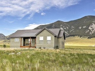 2BR Ennis Cabin w/Breathtaking Mountain Views - Ennis vacation rentals