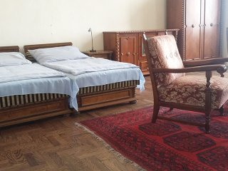 Comfortable Condo with Internet Access and Washing Machine - Budapest vacation rentals