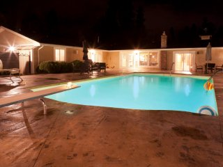 Mission Park Private Acreage with Pool and Tennis - Kelowna vacation rentals