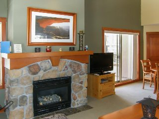 Ski-in/out condo w/shared pool, hot tub & more - awesome views! - Solitude vacation rentals