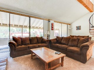 Roomy condo with a shared hot tub, swimming pool, & game room - Copper Mountain vacation rentals