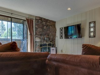 Ski-in/ski-out to American Eagle lift; dog-friendly w/ shared pool & hot tub! - Copper Mountain vacation rentals