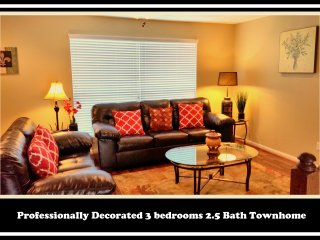 (283)-Sleeps 12, Townhome between Galleria and Katy - Houston vacation rentals