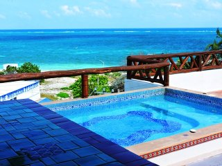 Condo with pool 50 meters from the beach  // Rivie - Puerto Morelos vacation rentals