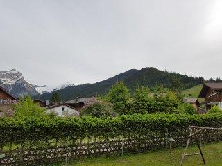 Superbe appartement à 2 pas de Gstaad - Feutersoey vacation rentals