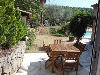 Gîte pour 2 à 4 personnes avec piscine - Le Tignet vacation rentals