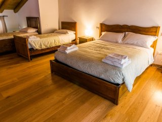 "AGRITURISMO DAI GOBBI Apartment ""Orchidea"" - Bassano Del Grappa vacation rentals"