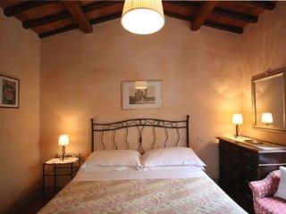 Borgo Dolci Colline Cipresso - Pieve di Chio vacation rentals