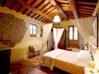 Borgo Dolci Colline Querce - Castiglion Fiorentino vacation rentals