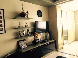 Cozy Condo with Internet Access and A/C - Taguig City vacation rentals