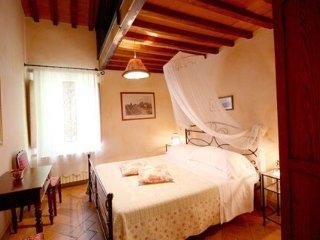 Borgo Dolci Colline Granaio - Castiglion Fiorentino vacation rentals