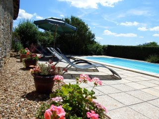 La Petite Ecurie, country cottage, private pool - Vicq-sur-Gartempe vacation rentals