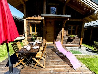 Bright 2 bedroom Les Houches Chalet with Kettle - Les Houches vacation rentals
