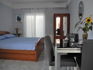 Cozy 1 bedroom Apartment in Jezera with A/C - Jezera vacation rentals