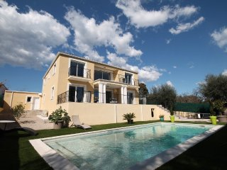 4 bedroom Villa with Internet Access in Villeneuve-Loubet - Villeneuve-Loubet vacation rentals