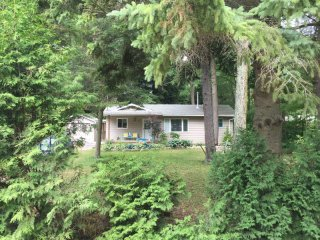 Point Clark Cottage Paradise, Very Affordable! - Point Clark vacation rentals