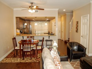 Furnished 2 Bed / 2.5 Bath Townhome in Houston - Houston vacation rentals