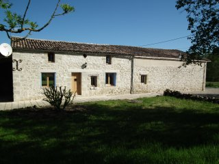 Farmhouse with Swimming Pool in Lot et Garonne - Serignac-sur-Garonne vacation rentals