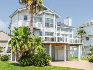 Sunny & Coastal Home Surrounded by Palms in Galveston - 1 Block to the Beach - Galveston vacation rentals