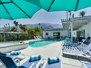 Secluded Getaway Blocks from Palm Canyon, Modern Chic Décor and Private Pool - Palm Springs vacation rentals