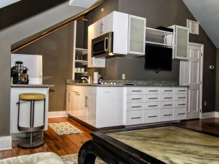 The DWIGHT D, a city house hotel, guest room 4F - Philadelphia vacation rentals