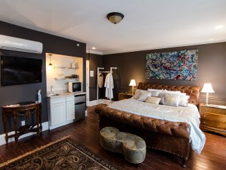 The DWIGHT D, a city house hotel: Guest room 3F - Philadelphia vacation rentals