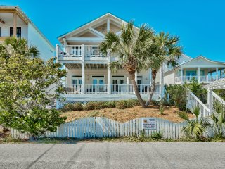 New!!  Directly Across from the Gulf with Views! - Destin vacation rentals
